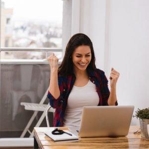 Imprenditrice felice per essere primi su google